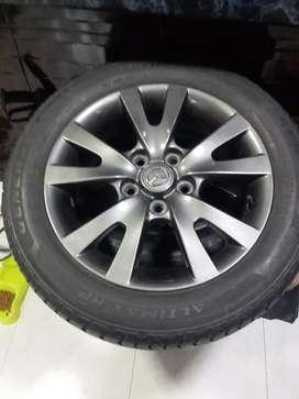 Vendo Rines con Sus Llantas de Mazda 3
