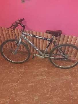 Vendo bici r.24 azul rodado 24
