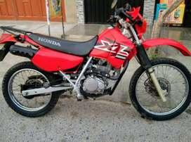 Moto Honda XL 200