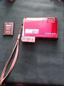CAMARA NIKON COOLPIX 5X OPTICAL ZOOM 5.9-29 5mm 1:3. 8-4 VR