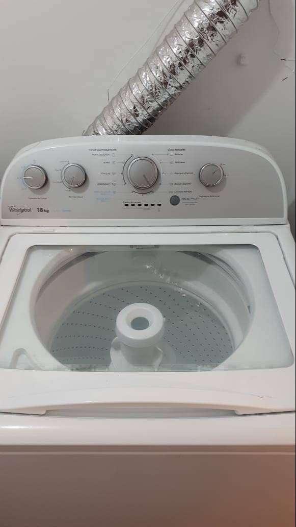 Lavadora automatica Whirlpool 18 kg 1 año de uso 0