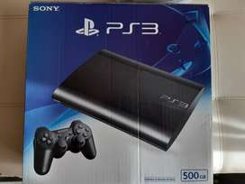 Play station 3 slim 500 gb con dos controles