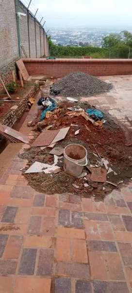Se retiran escombros y desecho vegetal