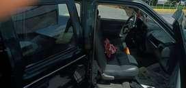 Camioneta doble cabina Chevrolet Luv color verde año 2004