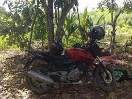 Moto pulsar 220s