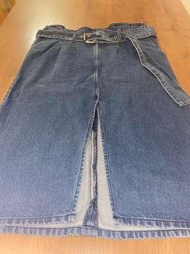 Falda jean con cinturón