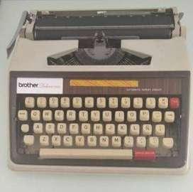 Maquina de escribir Brother Delux 1350