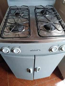 Se vende estufa abba 4 puestos con bodegas 250.000