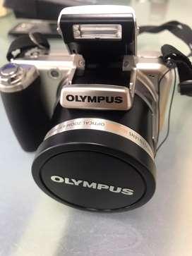Camara semiprofesional Olimpus