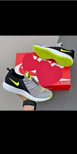 Zapatillas en todas las tallas