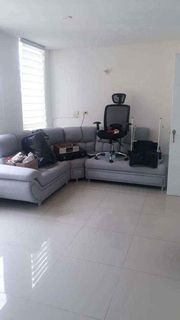 sillas para oficina negras. 0