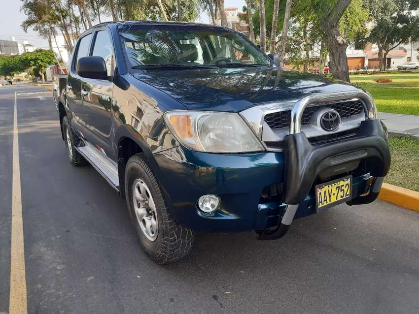 Toyota Hilux 2005 4x4 impecable 0
