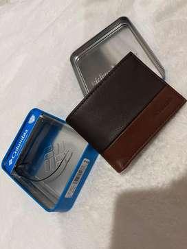 Vendo billetera Columbia para hombre