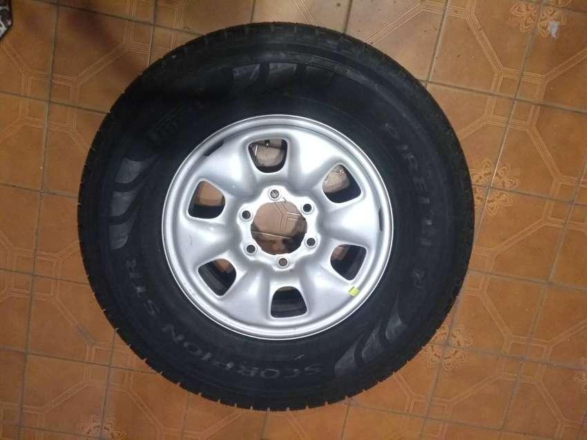 Rueda Pirelli completa para Toyota 0