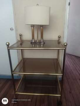 Mesa y lámpara en bronce