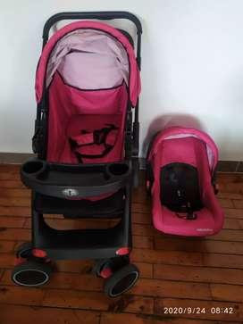 Se vende coche para bebe con asiento para auto