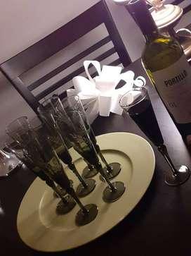 OPORTUNIDAD! Juego de copas talladas color humo (p/vino tinto)