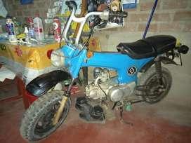 Moto Dax original honda mas dus regalos.