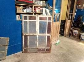Ventana metal vidrio repartido