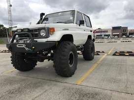 Toyota Land Cruiser 98 Motor HDT turbo 6 Cyl