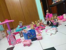 Vendo Set de Barbies