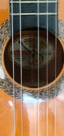 Guitarra Jaime Ruiz Ecuatoriana
