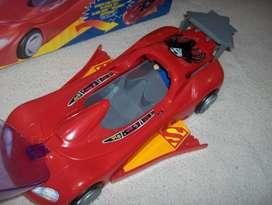 Auto Superman con muñeco incluido excelente estado, en su caja original, traido de EEUU, despliega las alas ( 6590)
