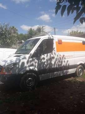 Ambulancia equipada completamente como UTIM Mercedes benz 411 street