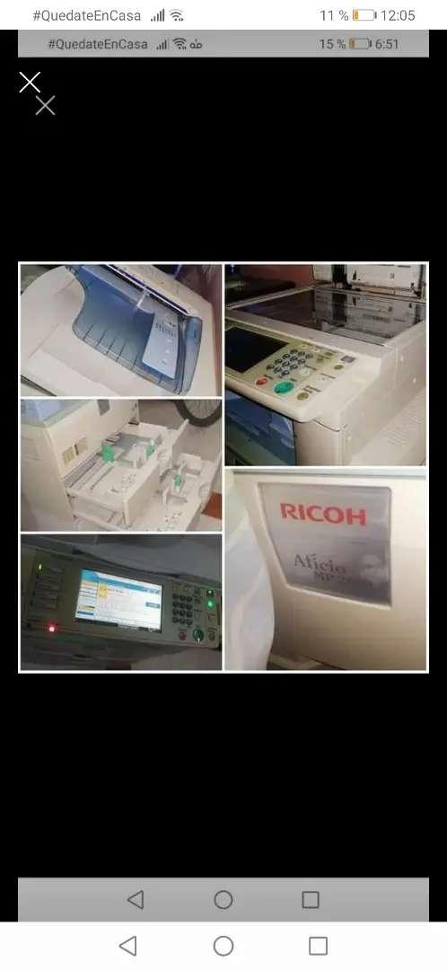 Fotocopiadora Ricoh profesional 0