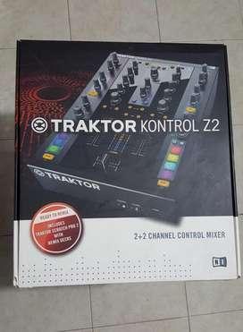 Mixer Traktor Kontrol Z2 Usado con Vinilos + Software Original Traktor