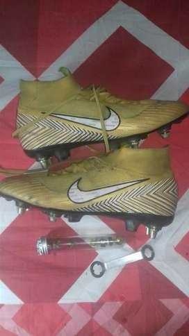 Guayo Nike con Solo 2 Postura Negociable