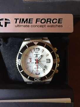 Reloj Time Force sumergible con papeles. Como nuevo en Fátima, Pilar