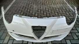 Paragolpe delantero Alfa Romeo Mito (para reparar)