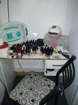 Vendo artículos para manicurista todo junto