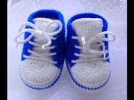 articulos en crochet , balacas , zapatos, cojines