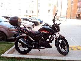 MOTO AKT R3