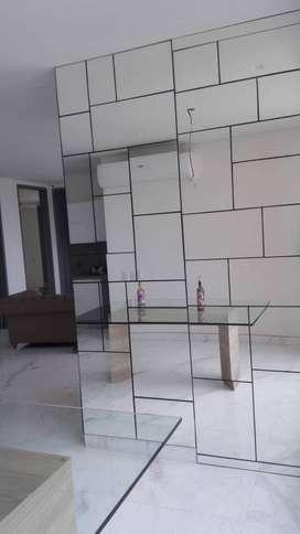Enchape paredes en espejos