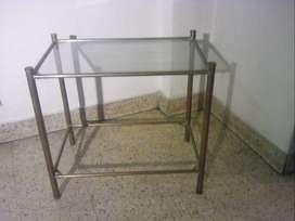 Antigua mesa ratona de bronce