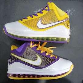 Tennis Lebron Basket