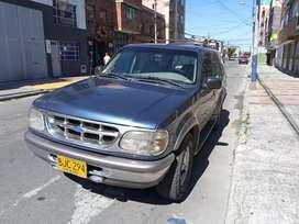 Ford Explorer 97 4x4 Automatica Todo al día muy bien cuidada version full equipo Xlt elite abs, airbag, a/c