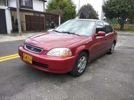 Vendo Honda Civic modelo 1998 en buen estado en Bogotá