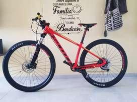 Se vende Bicicleta Scott scale 970