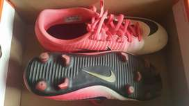 Nike mercurial rosado con blanco
