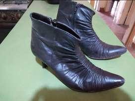 Botas negras de cuero Talle 36