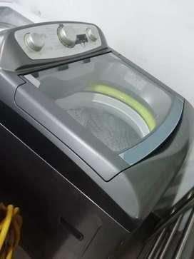 Hoy en venta lavadora haceb 28libras