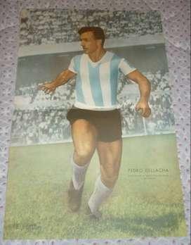 ANTIGUA LAMINA EL GRAFICO PEDRO DELLACHA CAPITAN DE RACING Y LA SELECCION ARGENTINA 1957