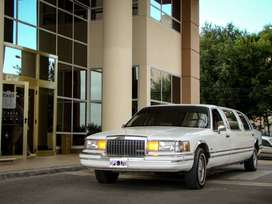Limousine Lincoln Town Car Limusina