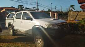 SE VENDE HILUX 2013 FULL EXTRA  EN 22000.00 NEGOCIABLE