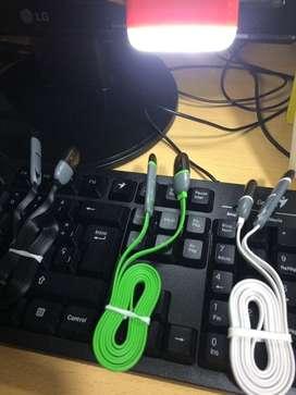 Cable dual cargador y datos