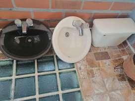 Lavamanos y baño negociable se vende o se cambia por algo de mi interes